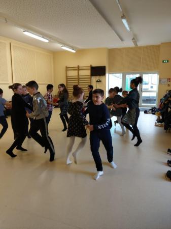 Danse folk cm1 3